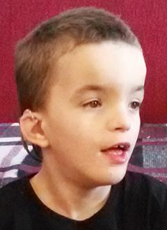 Степа Волчёк, 6 лет, двусторонняя тугоухость 4-й степени, требуются слуховые аппараты. 128030 руб.