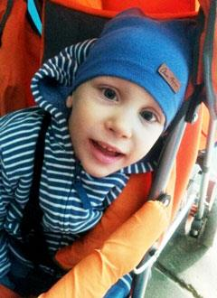 Артем Россеин, 6 лет, детский церебральный паралич, нарушение моторного и психоречевого развития, требуется многофункциональное кресло. 156457 руб.