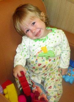 Вика Орлова, полтора года, несовершенный остеогенез, требуется курсовое лечение. 527310 руб.
