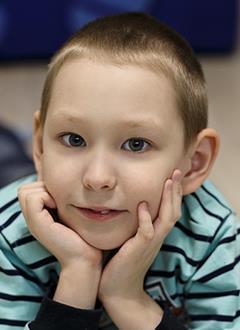 Максим Губаев, 8 лет, послеоперационный костный дефект затылочной области, спасет операция. 390000 руб.