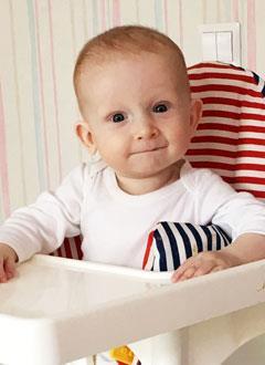 Авель Канатаев, 8 месяцев, врожденный порок сердца, спасет операция. 526800 руб.