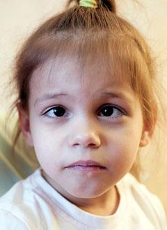 Аня Голубчикова, 3 года, детский церебральный паралич, требуется лечение. 123709 руб.