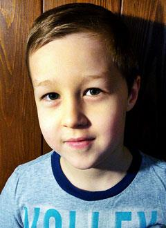 Ваня Прыгунов, 6 лет, последствия геморрагического инсульта, требуется лечение. 199430 руб.