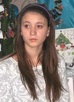 Алена Клевцова, 16 лет, S-образный грудопоясничный сколиоз 3-й степени, требуется ортопедический корсет. 145390 руб.