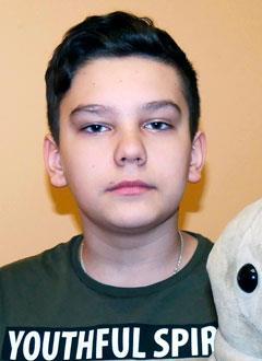 Илья Каширский, 11 лет, врожденная аномалия развития правой ноги, требуется протез. 115878 руб.