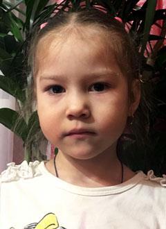 Арина Красильникова, 3 года, врожденный порок сердца, вторичный дефект межпредсердной перегородки, спасет эндоваскулярная операция, требуется окклюдер. 18183 руб.