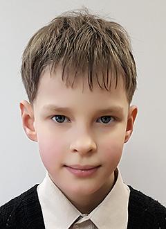 Серафим Уральских, 9 лет, двусторонняя тугоухость 1–2-й степени, требуется слуховой аппарат. 67487 руб.