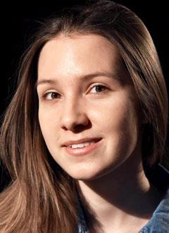 Лиза Бурыгина, 17 лет, врожденный порок сердца, спасет эндоваскулярная операция, требуется окклюдер. 295337 руб.