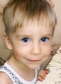 Миша Луханин, 2 года, киста желчного протока, состояние после хирургического лечения, спасет операция. 486765 руб.