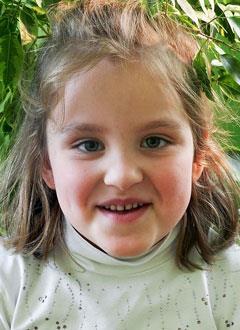 Даша Румянцева, 6 лет, сколиоз 3-й степени, требуется ортопедический корсет. 145390 руб.