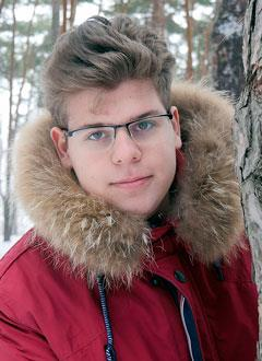 Лева Кулаков, 17 лет, прогрессирующий кифосколиоз грудного отдела позвоночника, спасет операция, требуется металлоконструкция. 565719 руб.