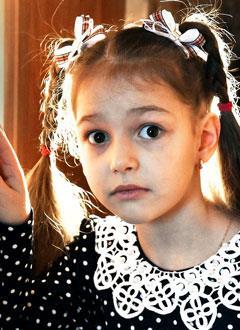 Маша Кречетова, 6 лет, состояние после радикальной коррекции порока сердца, нарушение сердечного ритма, спасет имплантация электрокардиостимулятора. 559860 руб.