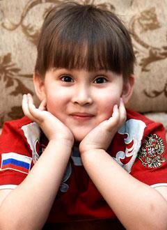 Саша Хонин, 5 лет, Spina bifida – аномалия развития спинного мозга и позвоночника, спасет операция. 1505534 руб.
