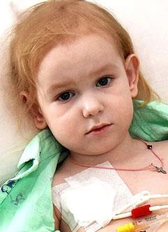 Виолетта Субботина, 4 года, порок развития кишечника, требуется внутривенное питание и расходные материалы для его введения. 1260979 руб.