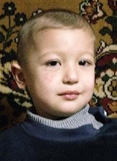 Сухроб Худжамов, 4 года, сложный врожденный порок сердца, спасет операция. 863074 руб.