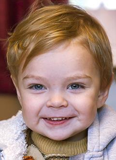 Саша Пономаренко, 2 года, двусторонняя глухота, требуется слуховой аппарат. 109531 руб.