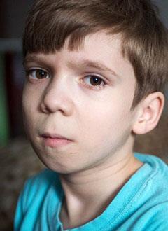 Владик Драчев, 8 лет, врожденный сколиоз на фоне множественных аномалий развития грудного отдела позвоночника, спасет операция. 1770700 руб.