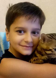 Рагим Тагилаев, 10 лет, несовершенный остеогенез, требуется курсовое лечение. 189828 руб.