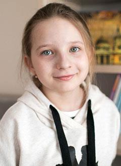 Богдана Утнюхина, 9 лет, болезнь Рандю – Ослера (наследственная сосудистая патология), требуется лекарство. 440000 руб.