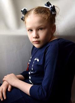 Даша Сейфулина, 12 лет, сколиоз грудопоясничного отдела позвоночника 4-й степени, спасет операция с установкой металлоконструкции. 1776997 руб.