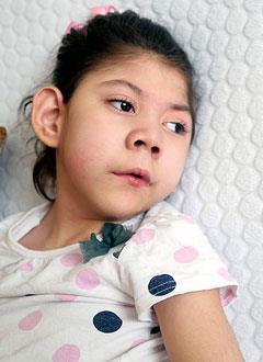Зиеда Эргашева, 6 лет, аномалия строения желудка, требуется лечебное питание и расходные материалы для гастростомы. 259300 руб.