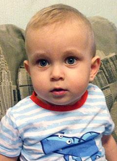 Ваня Богомолов, 1 год, хроническая почечная недостаточность в терминальной стадии, требуется переносной аппарат для автоматизированного перитонеального диализа. 729120 руб.