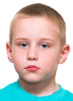 Дима Ишалин, 6 лет, двусторонняя тугоухость 3–4-й степени, требуются слуховые аппараты. 134974 руб.