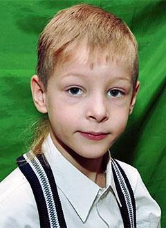 Матвей Кудряшов, 8 лет, врожденный порок сердца, спасет эндоваскулярная операция. 438063 руб.