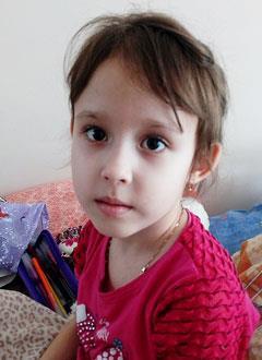Маша Титаренко, 5 лет, портальная гипертензия, спасет операция. 658649 руб.
