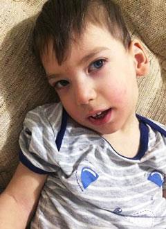 Женя Воробинский, 2 года, детский церебральный паралич, симптоматическая эпилепсия, требуется инвалидная коляска. 139748 руб.