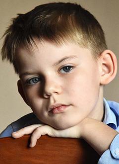 Артем Попков, 8 лет, врожденный порок сердца, спасет эндоваскулярная операция. 287525 руб.