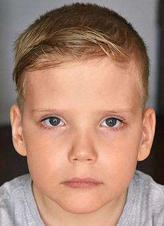 Ваня Остренков, 7 лет, Spina bifida – врожденный порок развития спинного мозга, требуется комплексное обследование и лечение. 658317 руб.