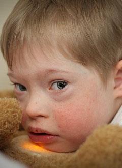 Архип Т., 9 лет, синдром Дауна, умственная отсталость, дисплазия бронхо-легочной системы, деформация грудной клетки, требуются средства для оплаты годового содержания в социальном доме. 516000 руб.