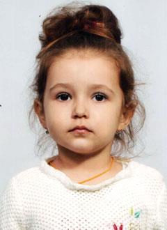 Алиса Матяш, 3 года, миелодиспластический синдром, спасет трансплантация костного мозга, требуются лекарства. 4684008 руб.