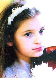 Лена Крымихина, 12 лет, расщелина альвеолярного отростка верхней челюсти и нёба, искривление носовой перегородки, требуется операция. 146000 руб.