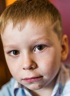 Максим Гуменюк, 6 лет, острый лимфобластный лейкоз, спасет лекарство. 1086665 руб.