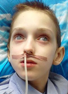 Ярослав Вещев, 11 лет, редкое генетическое заболевание – Х-сцеплeнная адренолейкодистрофия, требуется лечебное питание и расходные материалы к гастростоме. 244483 руб.
