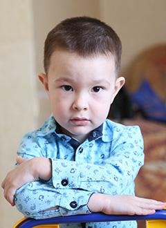Тагир Хурматуллин, 4 года, врожденный порок сердца, спасет эндоваскулярная операция, требуется окклюдер. 259315 руб.