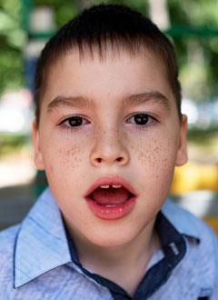 Кирилл Сапрыкин, 7 лет, детский церебральный паралич, требуется лечение. 130200 руб.