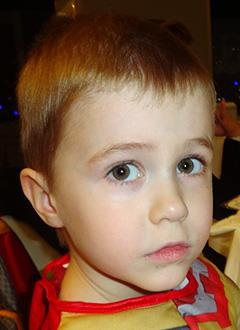 Миша Гладун, 5 лет, сахарный диабет 1-го типа, требуются расходные материалы к инсулиновой помпе. 133675 руб.