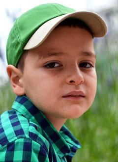 Рома Едзоев, 9 лет, врожденный порок сердца, спасет операция, требуется клапансодержащий протез. 211575 руб.