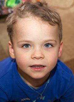 Вова Вилисов, 5 лет, недостаточность аортального клапана, спасет операция, требуется клапансодержащий кондуит. 195300 руб.