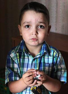 Артем Чекунов, 4 года, муковисцидоз, спасет лекарство. 361700 руб.
