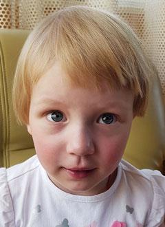 Полина Музенко, 2 года, врожденный порок сердца, спасет операция. 403625 руб.