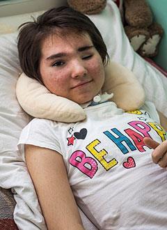 Диана Ермакова, 12 лет, черепно-мозговая травма, перелом лобной кости, спасет операция, требуется имплантат для закрытия дефекта черепа. 889700 руб.