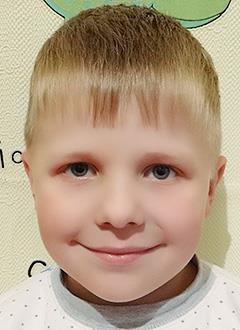 Тёма Логвинов, 5 лет, врожденная двусторонняя косолапость, рецидив, требуется лечение. 278845 руб.