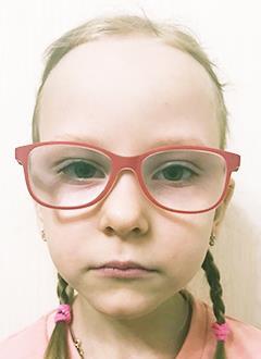 Маша Лахнова, 5 лет, двусторонняя тугоухость 4-й степени, требуются слуховые аппараты. 219062 руб.