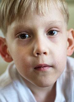 Максим Александров, 5 лет, Spina bifida, требуется обследование и лечение. 658317 руб.