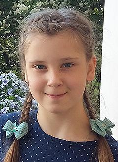 Полина Соснова, 10 лет, тяжелый врожденный порок сердца, требуется клапансодержащий протез. 211575 руб.