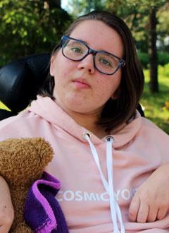 Настя Семешина, 16 лет, последствия закрытой черепно-мозговой травмы, требуется лечение. 154938 руб.